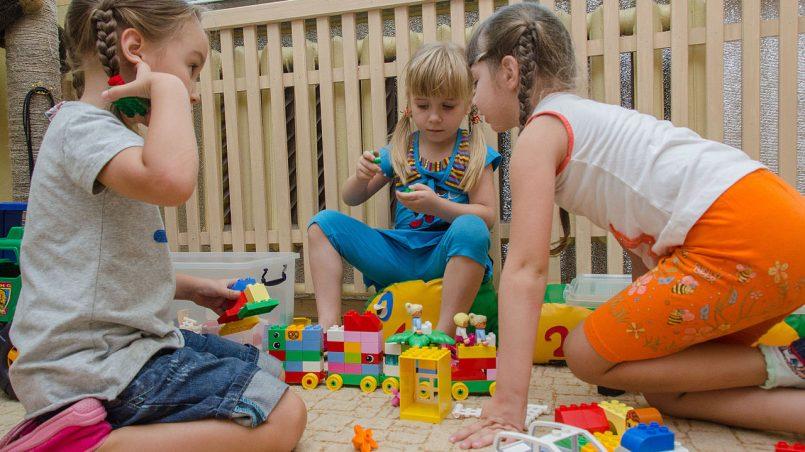 Jak zaoszczędzić na zabawkach na dzieci?