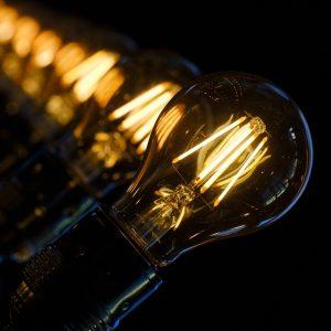 jak oszczędzać światło