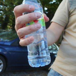 napoje w plastikowych butelkach
